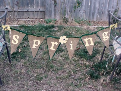 Spring No Sew Banner & Tutorial