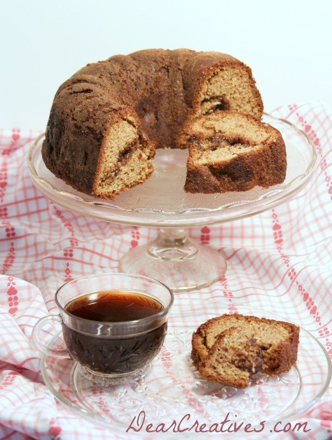 Bundt Cake, Coffee and cake on a glass plate, Theresa Huse 2013 -1295