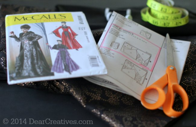 Evil Queen Costume Sewn With McCalls Costume Pattern Part 1
