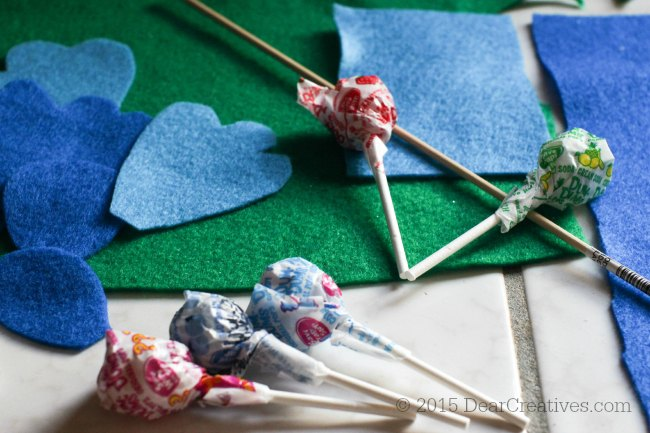 DIY Craft Project Dum Dums flower lollipop step 1