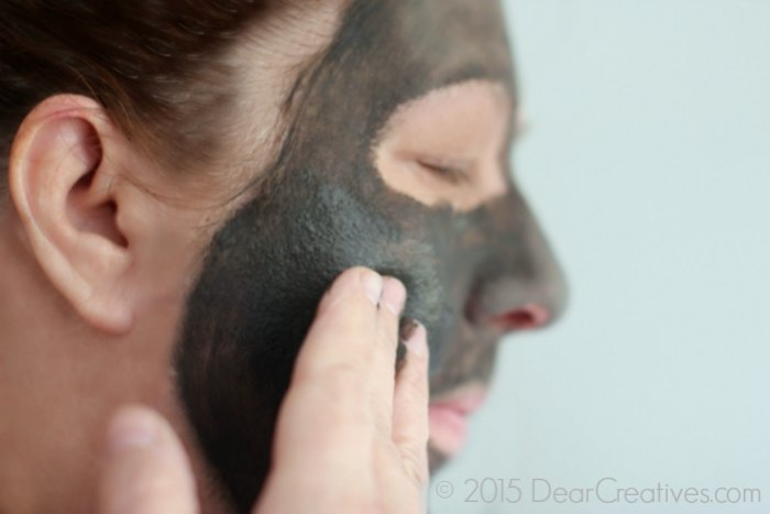 Beauty Review Tips |Beauty Review Mud Mask on Face