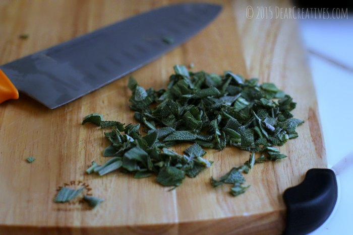Side Dish-chopping knife and chopped sage