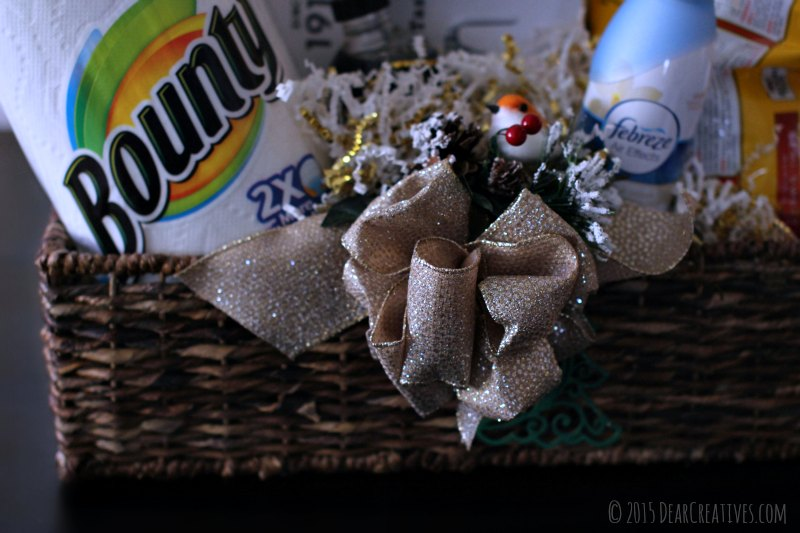 gift basket | close up of gift basket with gift bow