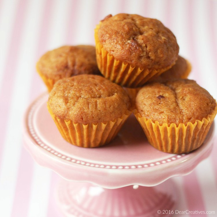 Apple Muffins Snack Ideas and recipe. Great for back to school lunch snacks or after school snacks!