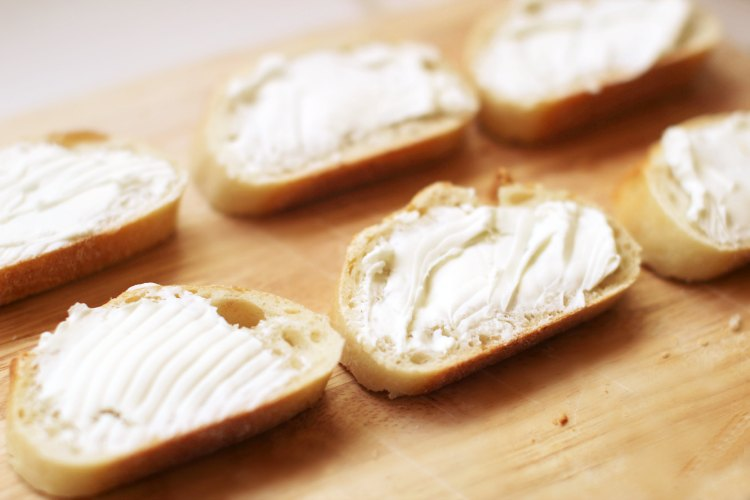 goat cheese spread on french bread