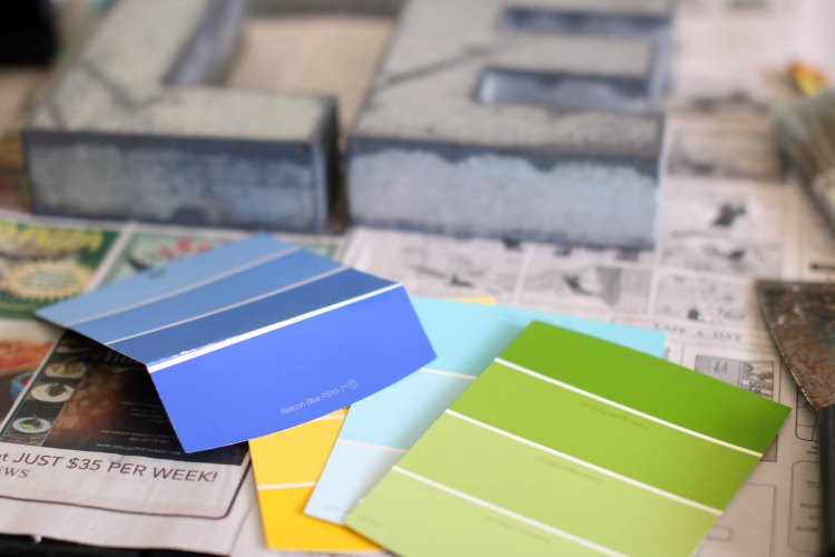 color inspiration home decor ideas #livelovecolor © 2017 Theresa Huse selecting paint chips to see what colors you love and go together