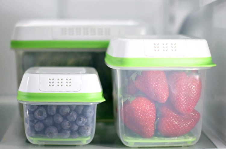 Storage Solutions Rubbermaid FreshWorks Blueberries, Strawberries and artichokes in storage containers. #FreshWorksFreshness #ad DearCreatives.com