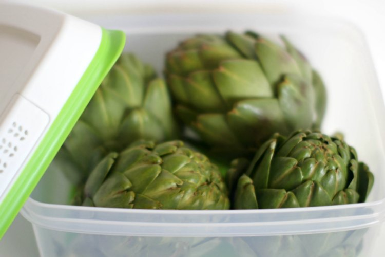 Storage Solutions Rubbermaid FreshWorks Review DearCreatives.com artichokes that were stored in the FreshWorks Containers