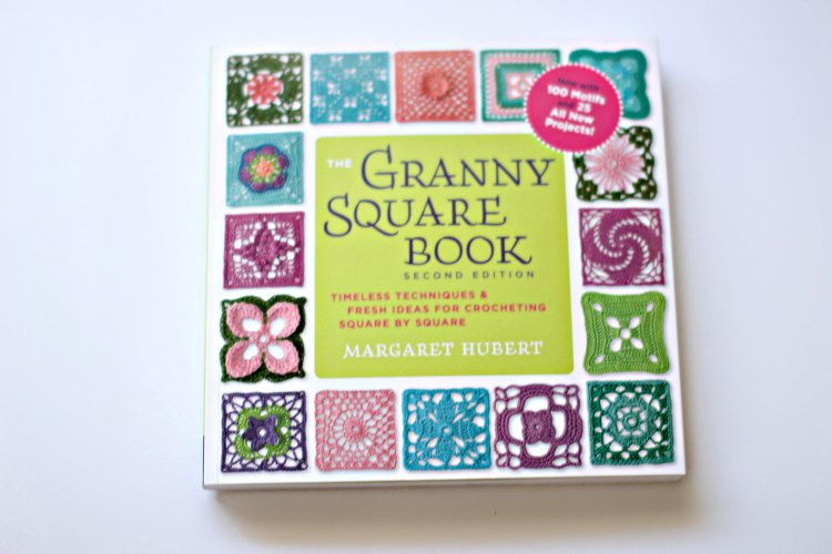 Craft book review The Granny Square Book DearCreatives.com How to crochet, crochet techniques, ideas for crocheting granny squares.