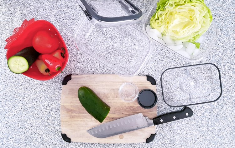 Are you looking for food storage solutions to help you prep lunches See these tips and storage solutions at DearCreatives.com