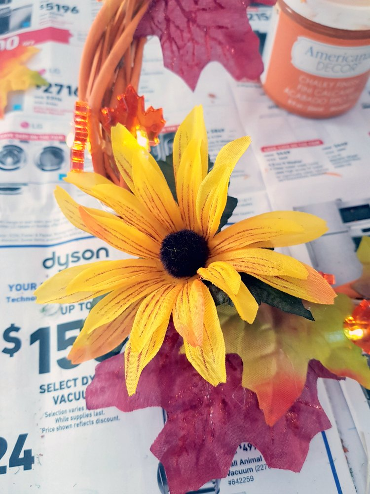 Fall wreath with lights. This wreath is easy to make and inexpensive. You'll want to make one now! See full tutorial at DearCreatives.com