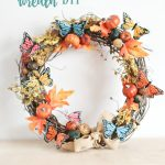 Grapevine Wreath Ideas- DearCreatives.com-This grapevine wreath tutorial also has a video to show you how easy it is to decorate your own grapevine wreath. Step by step tutorial and tips.