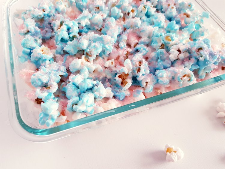 Closeup of cotton candy popcorn treat in a dish. DearCreatives.com