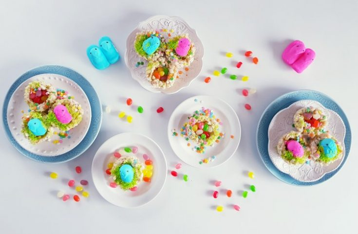 Krispie Treats Birds Nest Cookies With Peeps, and jelly beans. DearCreatives.com