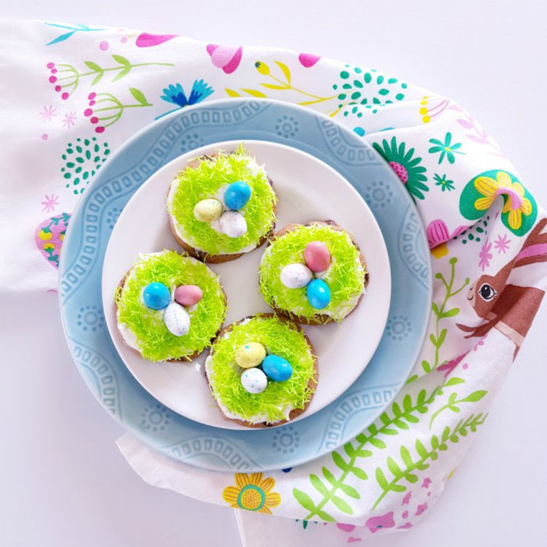 robin's nest cookies - this is an easy way to decorate cookies to look like robins nests.