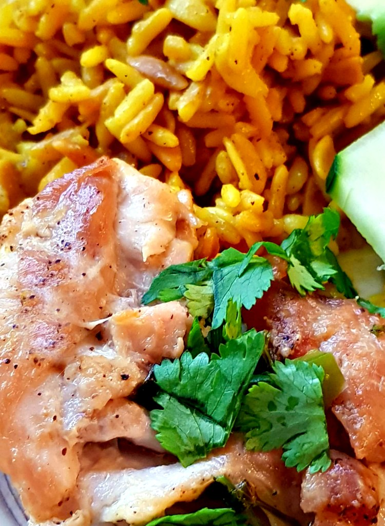 Lime Chicken with Cilantro, jalapenos, and lime. Easy 30 minute meal made with chicken. DearCreatives.com