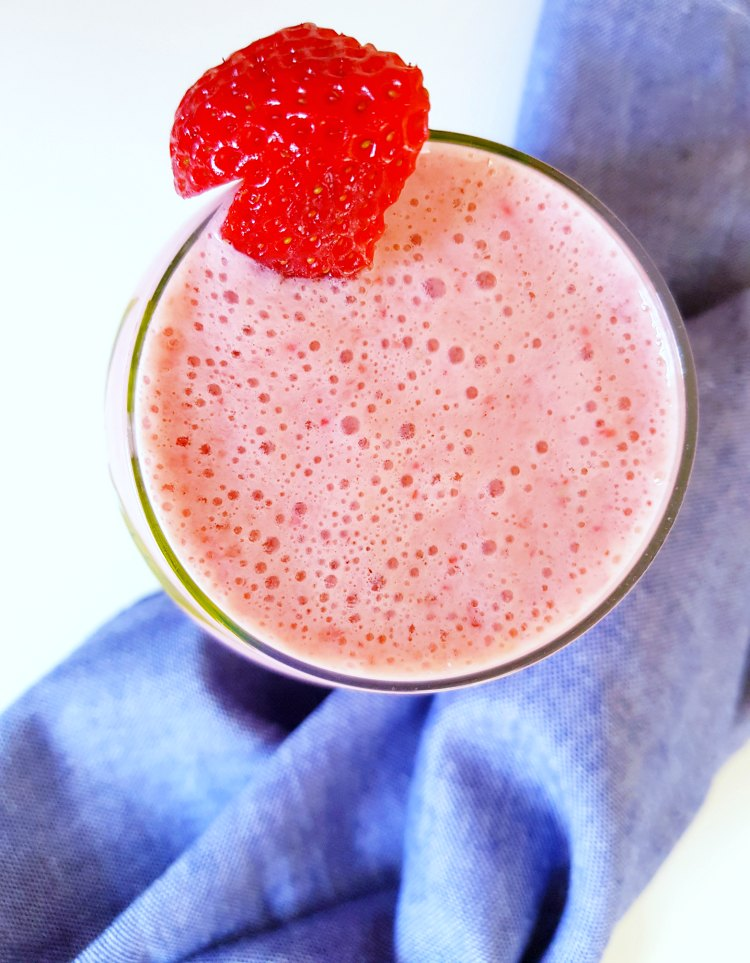 Strawberry Soy Blended Beverage - an easy to make flavorful strawberry drink. Grab the recipe at DearCreatives.com