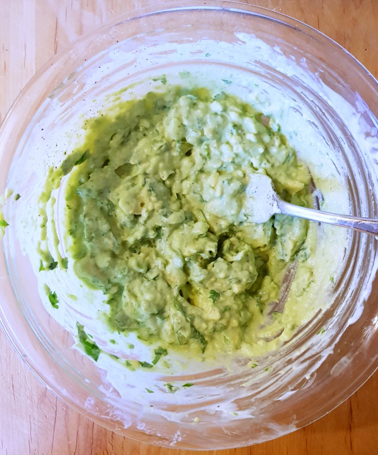 Avocado topping for tacos DearCreatives.com