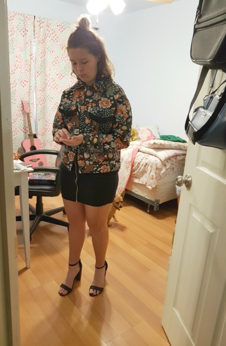 trying on a cute outfit idea for homecoming DearCreatives.com