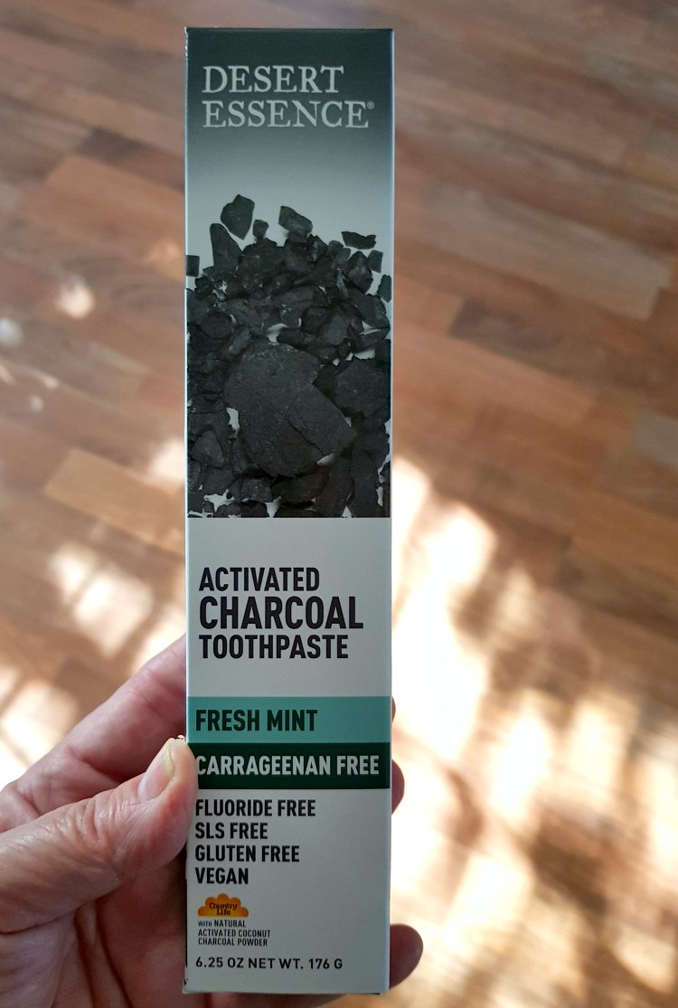 dessert essence toothpaste activated charcoal fresh mint DearCreatives.com