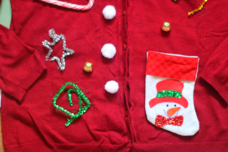 Ugly Christmas Sweater - DIY Dearcreatives.com