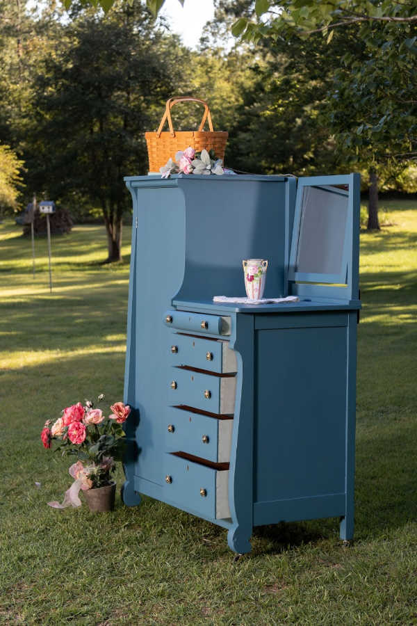 Upcycled Furniture Ideas - Be inspired by this amazing furniture makeover of an antique wardrobe, chifforobe, dresser kippiathome feature before and after furniture makeover- DearCreatives.com #upcycledfurniture #furnituremakeover #upcycledfurnitureideas #wardrobe #dresser #chifforobe