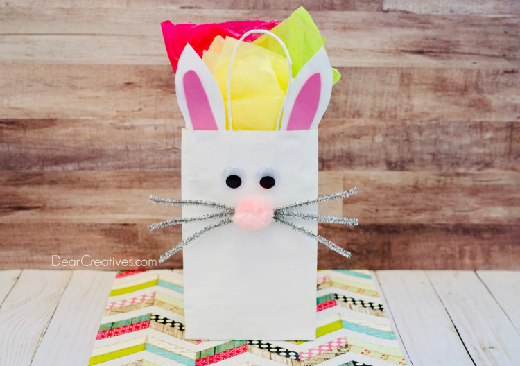 Bunny Bag - How to make a bunny paper bag as a gift bag or kids craft - kids activity. DearCreatives.com #bunnybag #bunnypaperbag #diy #bunnycraft #springcraftideas #dearcreatives