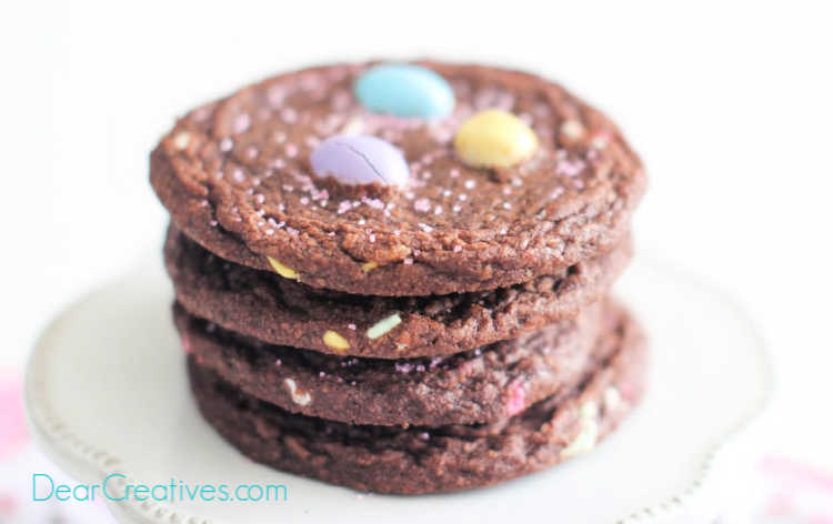 Brownie Cookies chocolate lovers will enjoy these anytime you bake this easy cookie recipe - DearCreatives.com