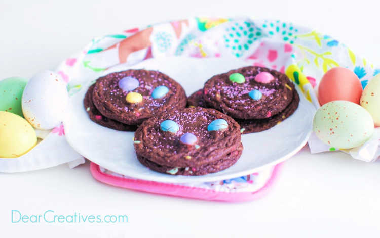 Easter Brownie Cookies - grab this easy brownie cookies recipe at DearCreatives.com