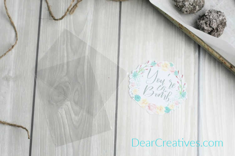 gift bags and free printable gift tags for a gardening gift - full DIY at DearCreatives.com