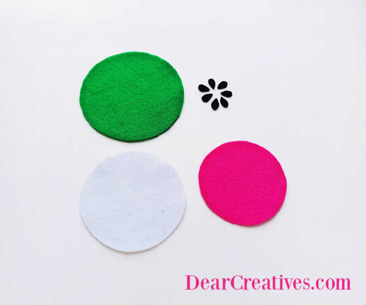 step (1) Print out template. Then cut the brightly colored felt coasters, DearCreatives.com