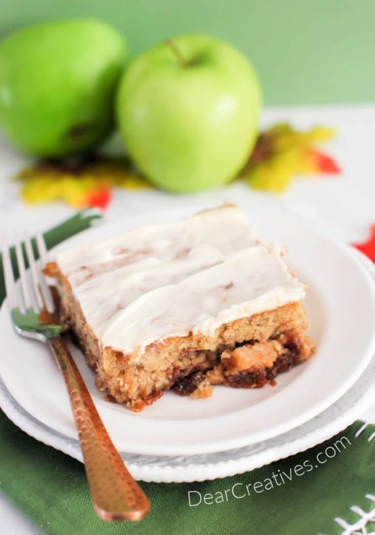 Apple Cinnamon Cake- Easy to make, moist and tastes so good! Enjoy making this apple cake over and over again. © DearCreatives.com