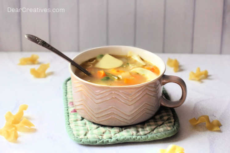 Lemon-Chicken-Soup-Are-you-ready-to-make-homemade-soup_-This-recipe-is-easy-delicious-and-flavorful-©-DearCreatives.com