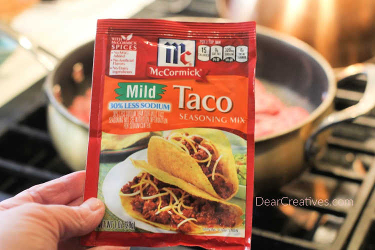 Make this recipe homemade with our seasoned ground beef recipe or with a seasoning packet. - Taco Potatoes Recipe © DearCreatives.com