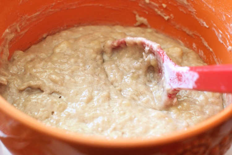 banana muffins batter ready to be scooped into muffin liners for baking - © DearCreatives.com