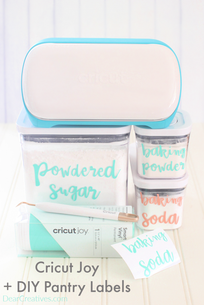 Cricut Joy machine - DIY pantry labels using Cricut Joy smart vinyl - Tips at DearCreatives.com