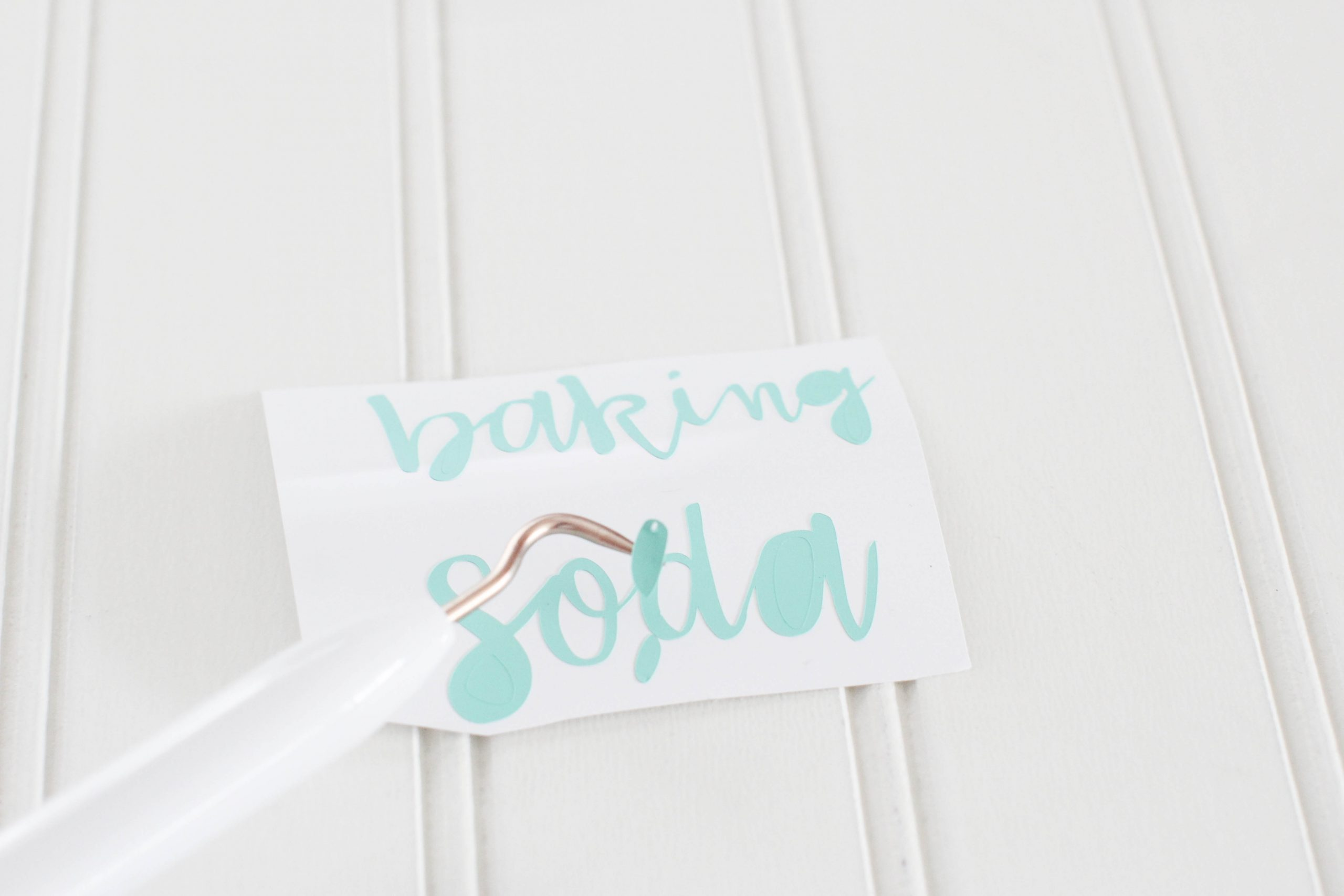 cricut joy machine and cricut joy materials printed pantry label ready to be weeded© DearCreatives.com