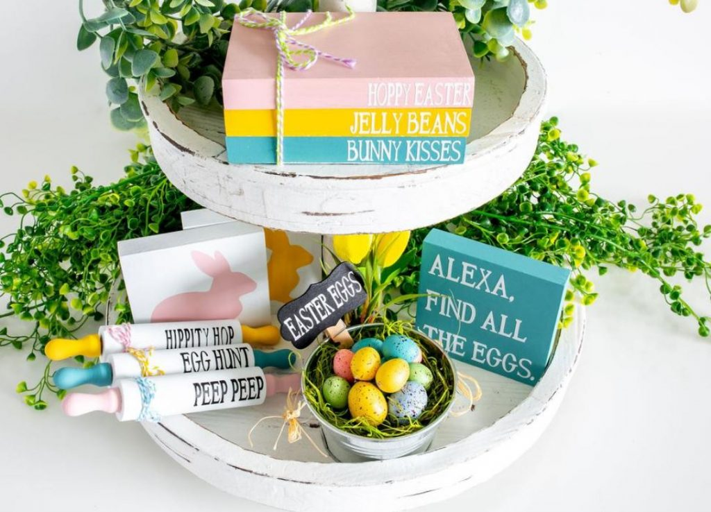 Easter Tiered Tray Decor on a two tiered tray. Find this and more decor ideas for spring at DearCreatives.com