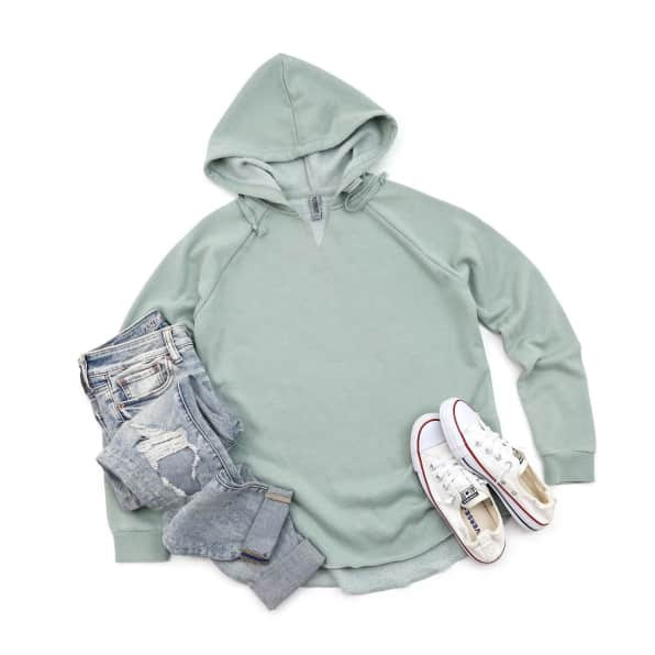 women's sweatshirt, jeans and chucks - spring outfit ideas